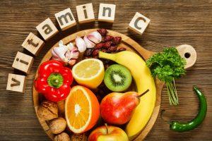 2. ¿Cómo se suministra la vitamina C al cuerpo?